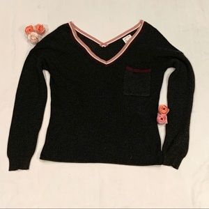 Hippie rose pocketed sweater